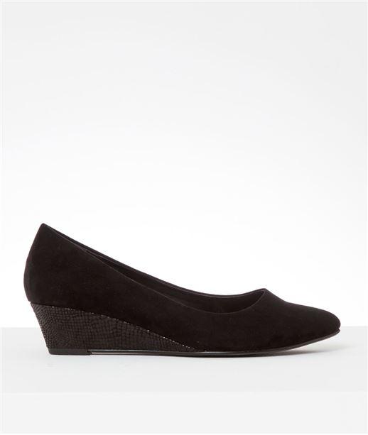 Chaussures femme compensées (photo)