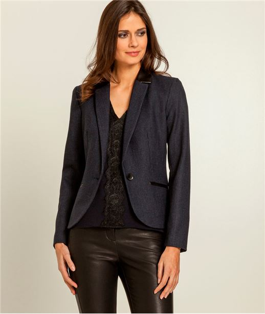 Veste femme tailleur cintré (photo)